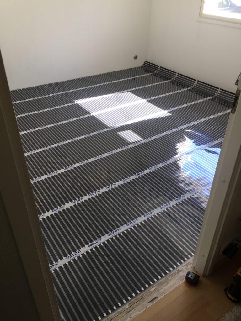 Ebeco Foil-kit lattialämmityksen asennusta